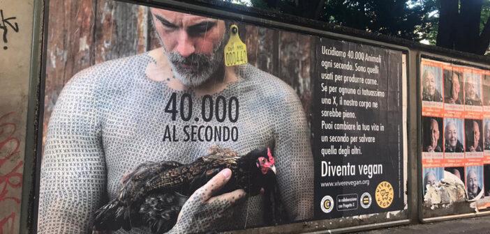Le affissioni dei cartelloni animalisti che raccontano la verità